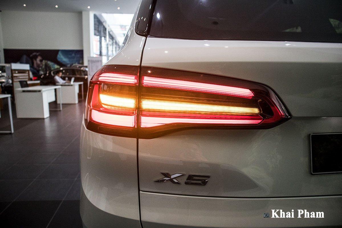 Ảnh đèn hậu xe BMW X5 xDrive 40i xLine 2020