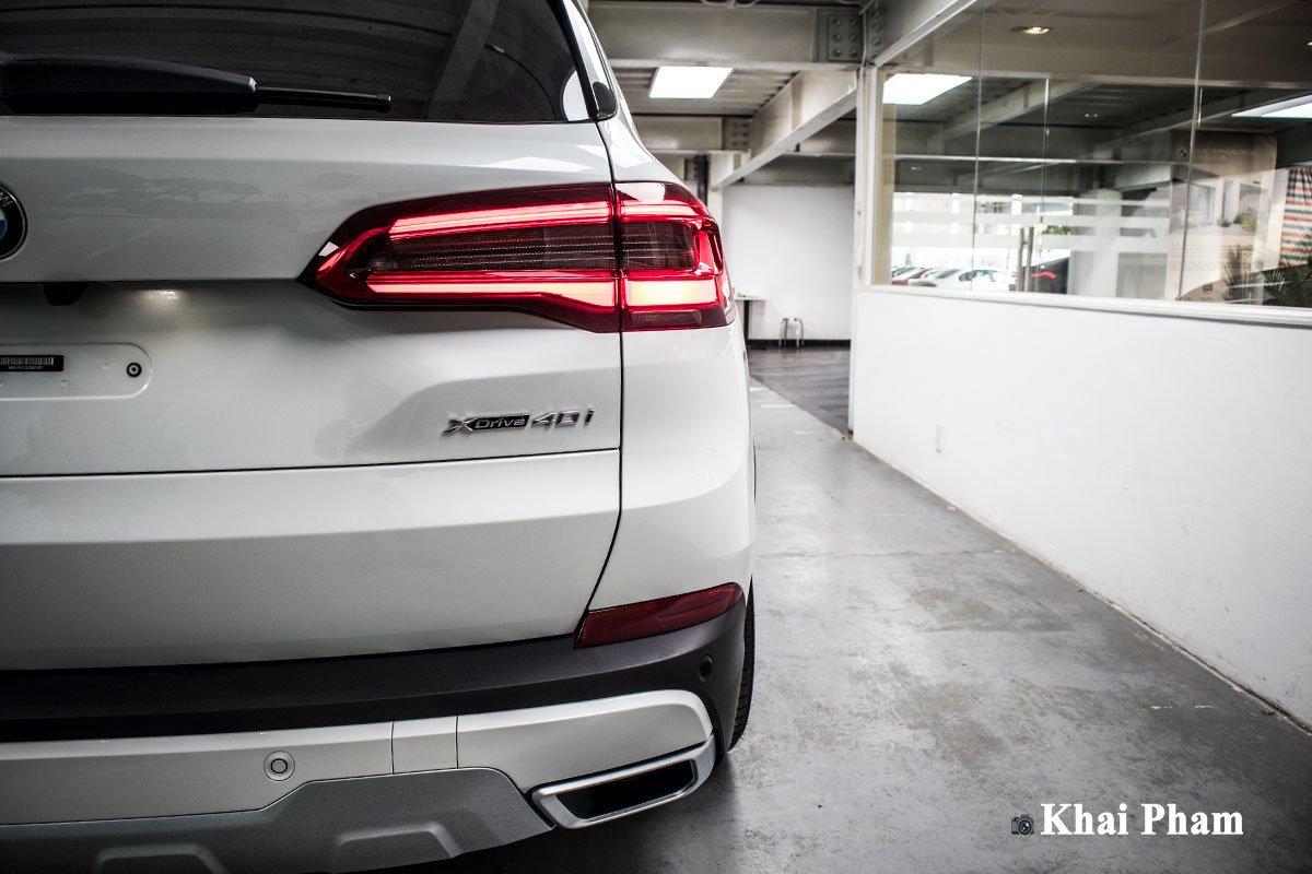 Ảnh đèn hậu phải xe BMW X5 xDrive 40i xLine Plus 2020 a1