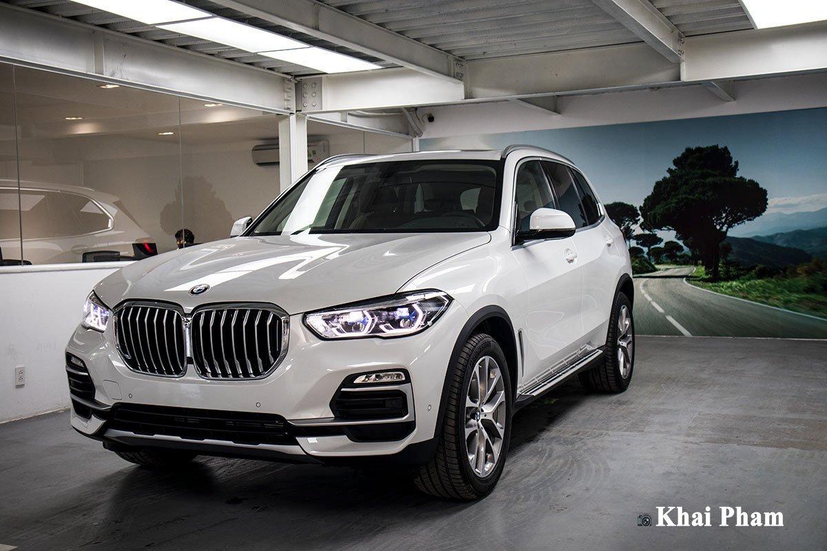 Ảnh đầu xe phải BMW X5 xDrive 40i xLine Plus 2020