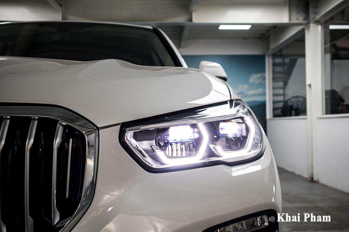 Ảnh đèn pha xe BMW X5 xDrive 40i xLine Plus 2020 a1