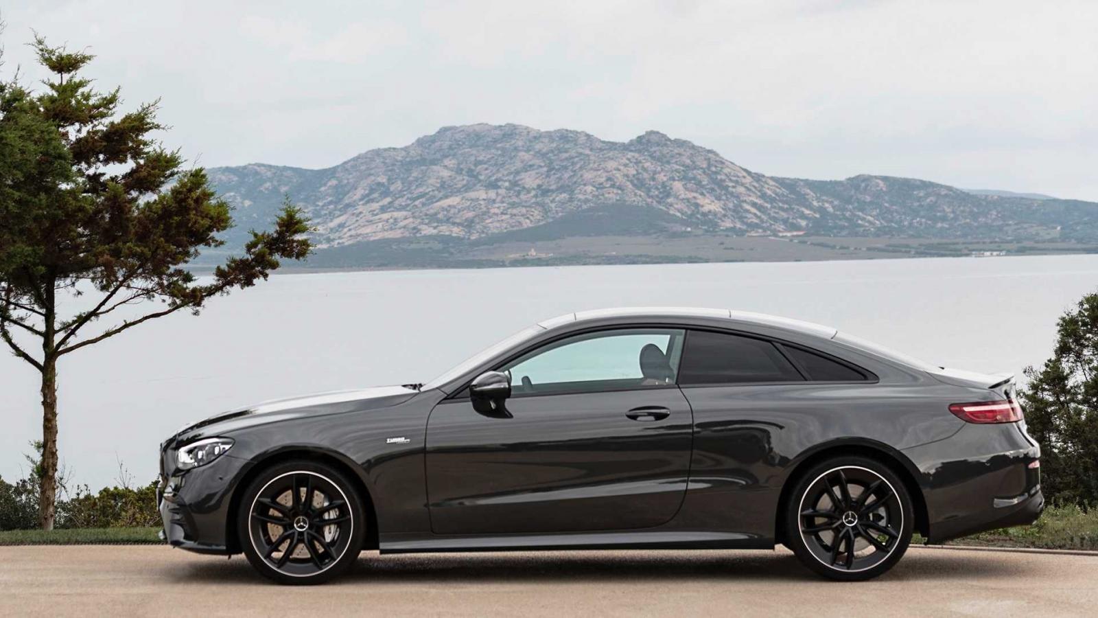 Mercedes-AMG E53 Coupe thần thái thượng thừa.