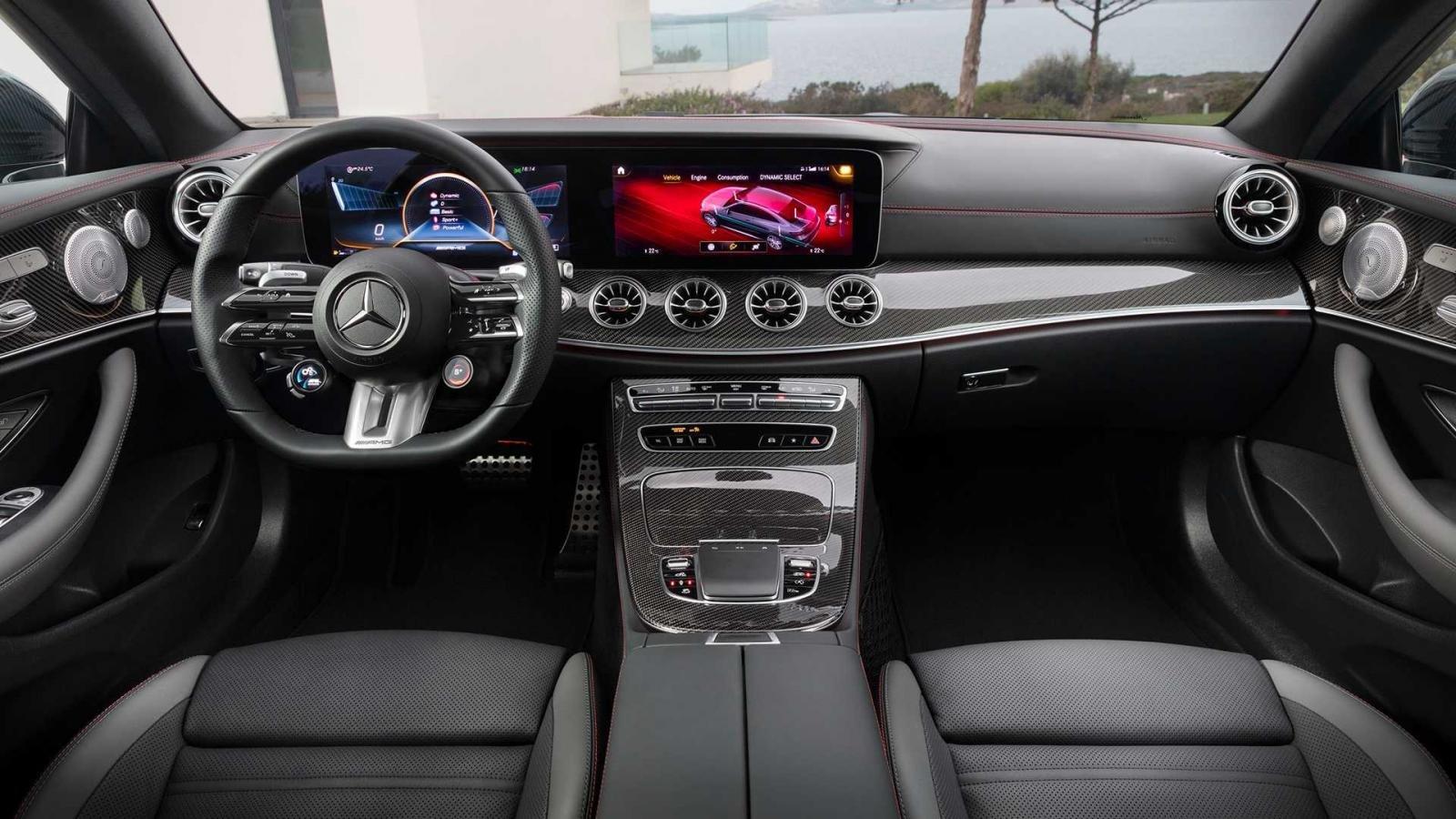 Mercedes-AMG E53 trang bị công nghệ tối tân.