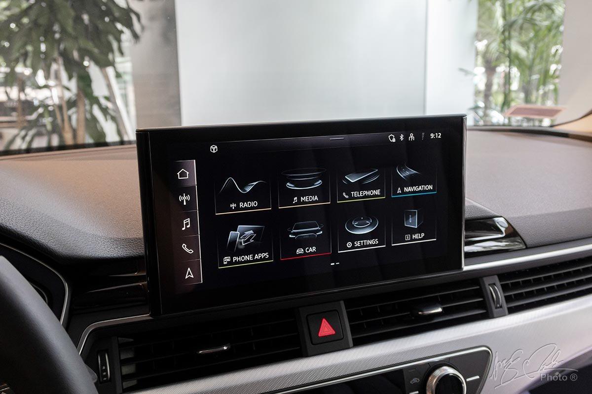 Đánh giá xe Audi A4 2020: Màn hình cảm ứng cỡ lớn là điểm nhấn nổi bật nhất ở khoang nội thất.