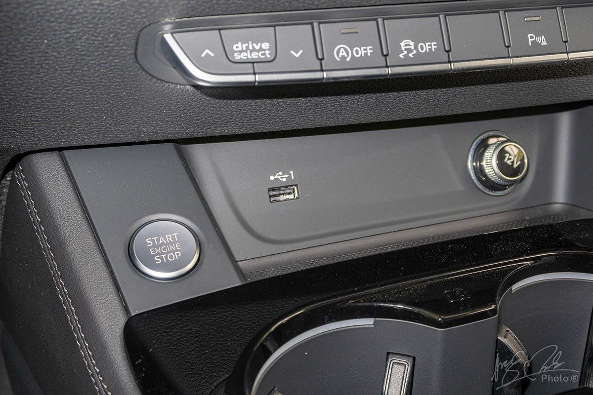 Đánh giá xe Audi A4 2020: Nút bấm khởi động.