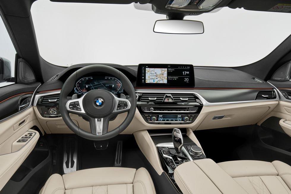 BMW 6-Series GT 2021 tích hợp công nghệ tối tân.