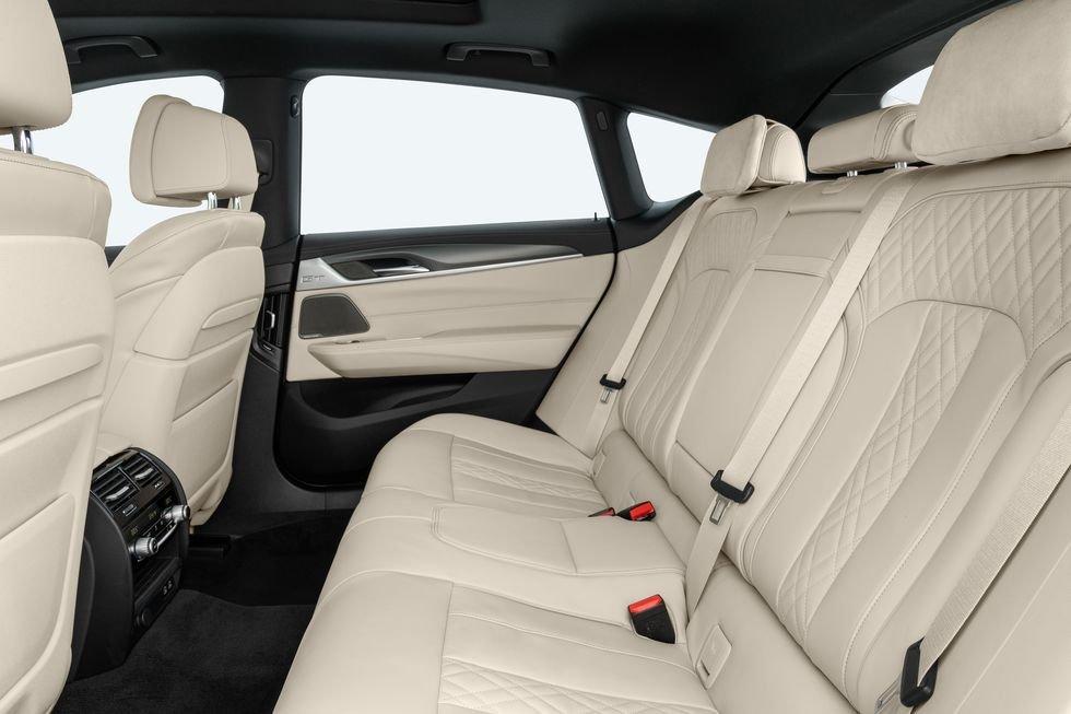 BMW 6-Series GT 2021 toát lên cảm giác thời thượng.