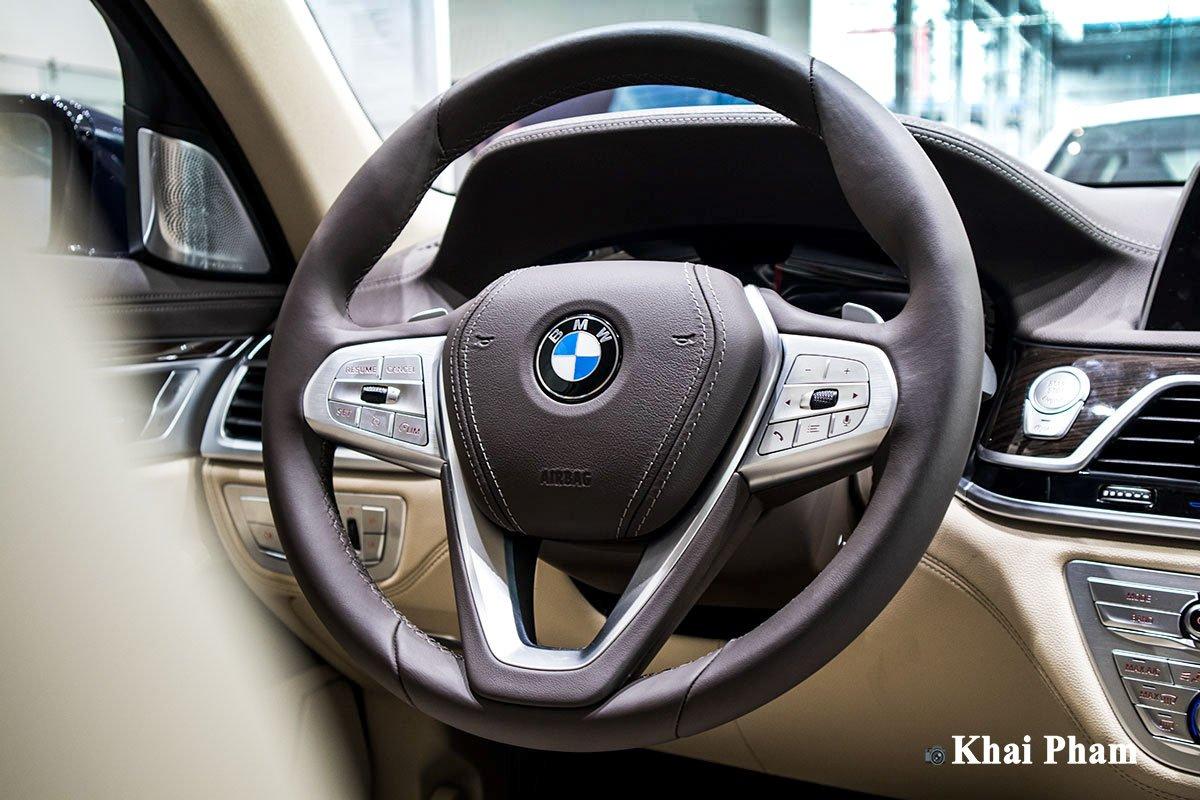 Ảnh Chính diện vô-lăng xe BMW 7-Series 2020