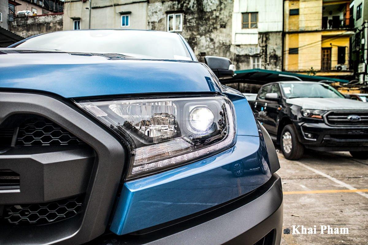 Ảnh Đèn pha phải xe Ford Ranger Raptor 2020