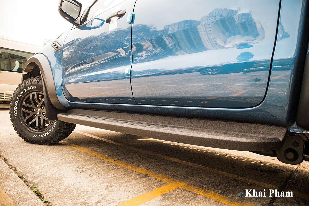 Ảnh Bậc lên xuống xe Ford Ranger Raptor 2020