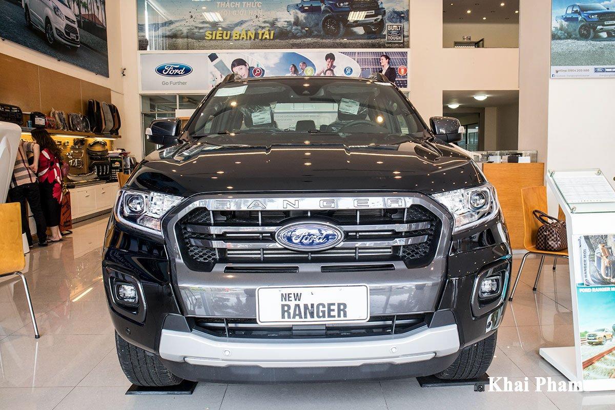 Ảnh chụp chính diện đầu xe Ford Ranger 2020