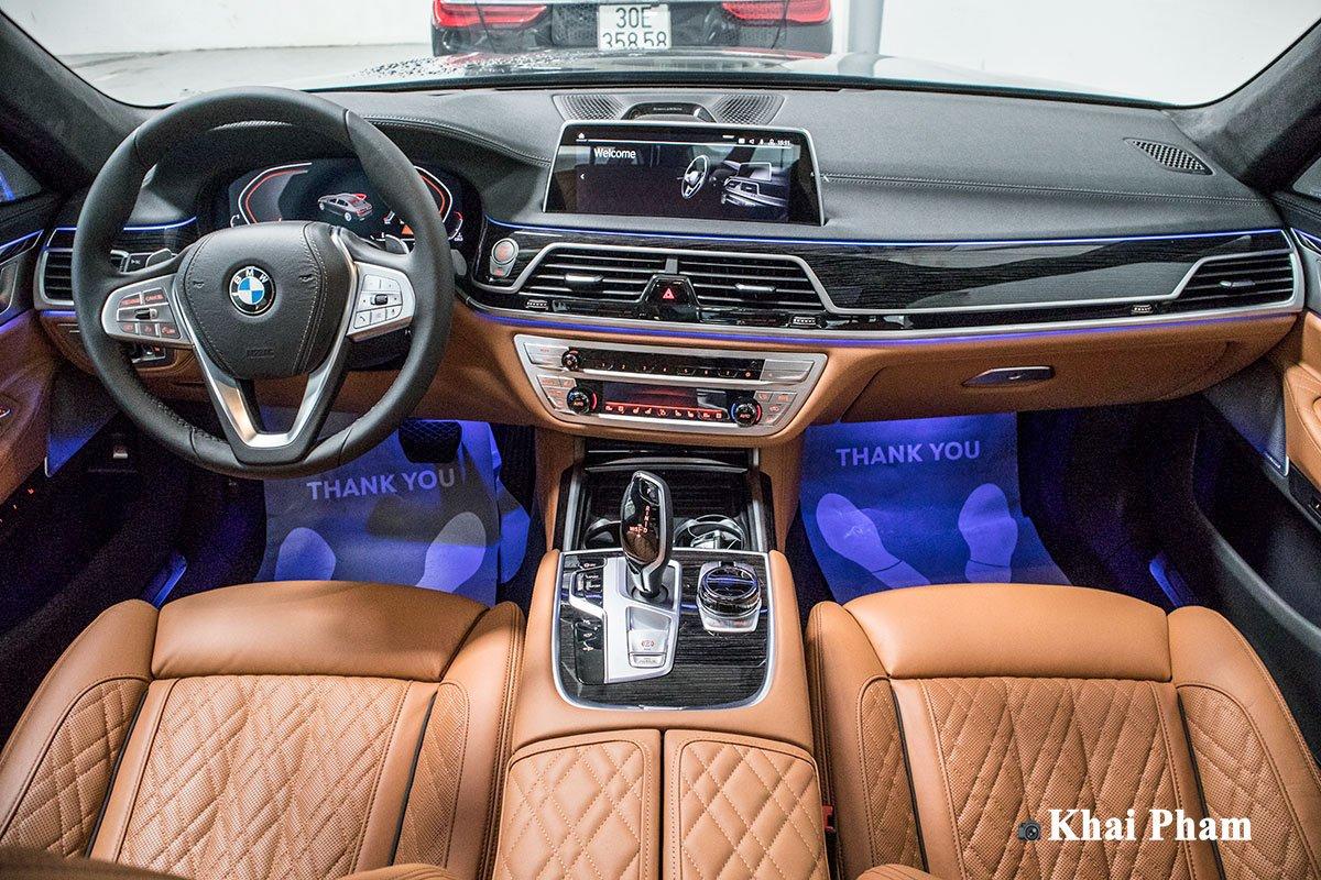 Ảnh Khoang lái xe BMW 7-Series 2020  a1