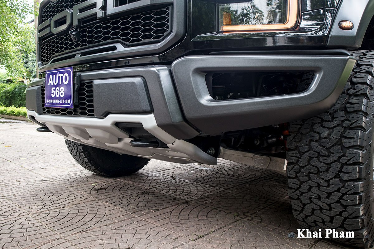 Ảnh cản trước xe Ford F-150 Raptor 2020