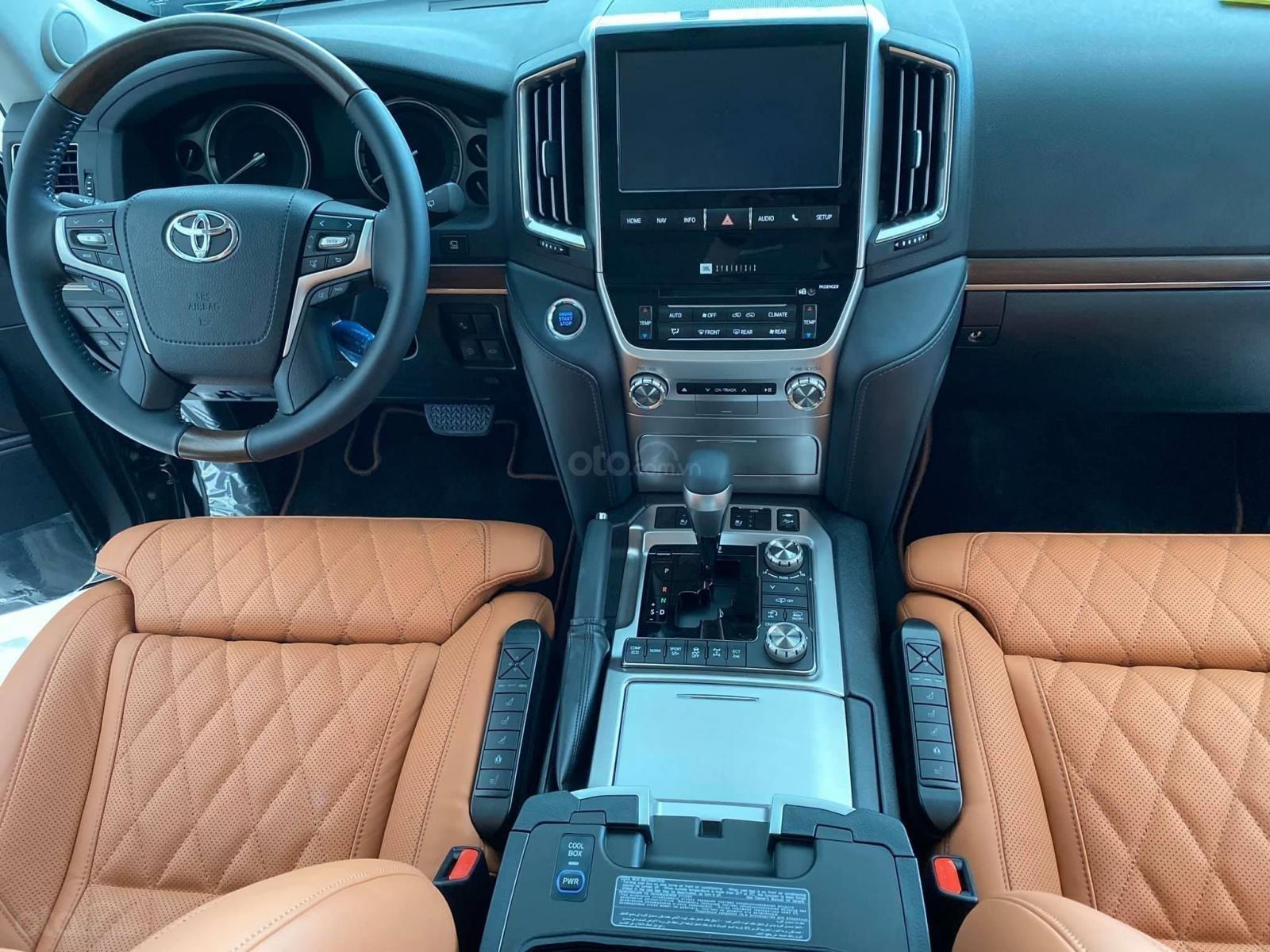 Bán Toyota Land Cruise MBS 5.7,4 ghế thương gia siêu vip, sản xuất 2020, xe giao ngay (8)