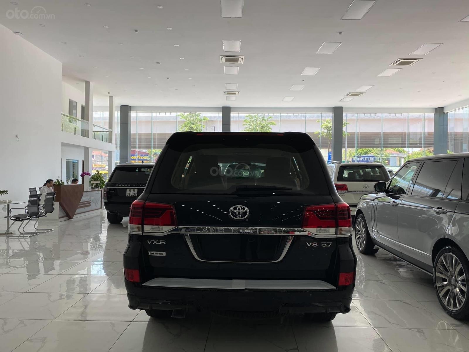 Bán Toyota Land Cruise MBS 5.7,4 ghế thương gia siêu vip, sản xuất 2020, xe giao ngay (4)
