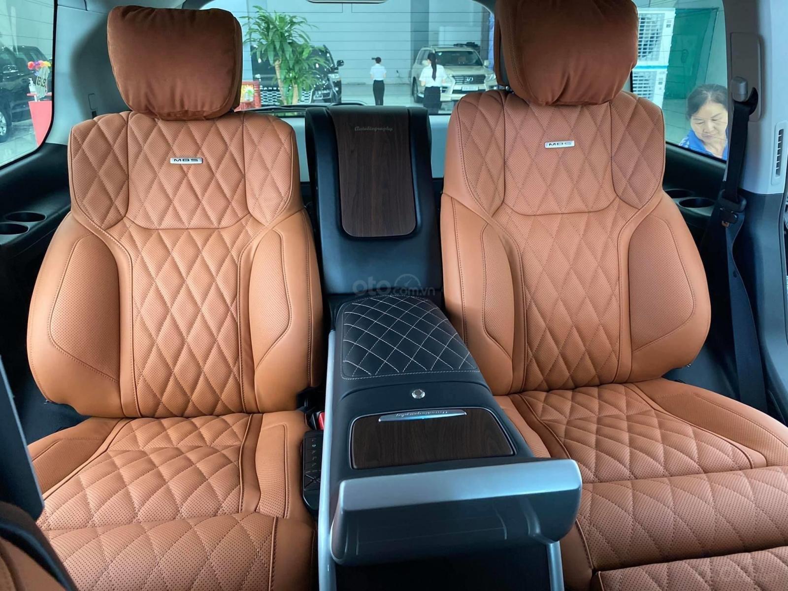 Bán Toyota Land Cruise MBS 5.7,4 ghế thương gia siêu vip, sản xuất 2020, xe giao ngay (9)