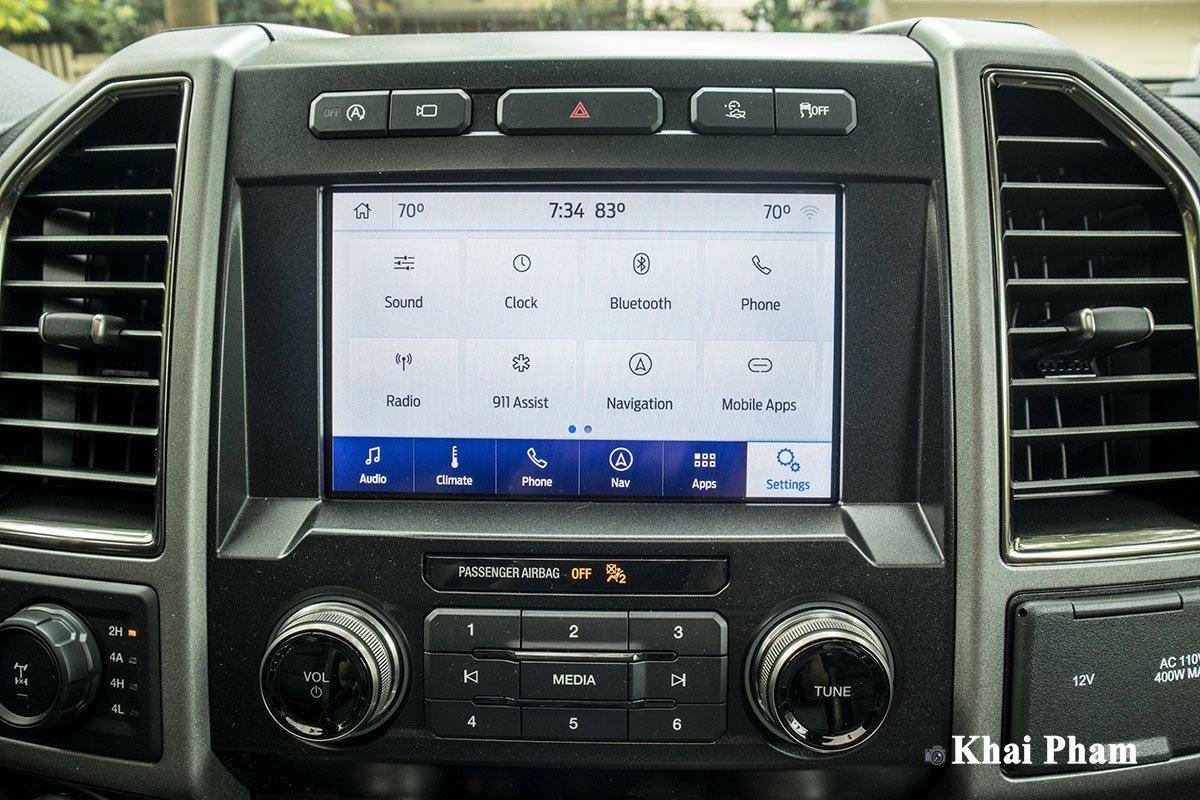 Ảnh màn hình xe Ford F-150 Raptor 2020