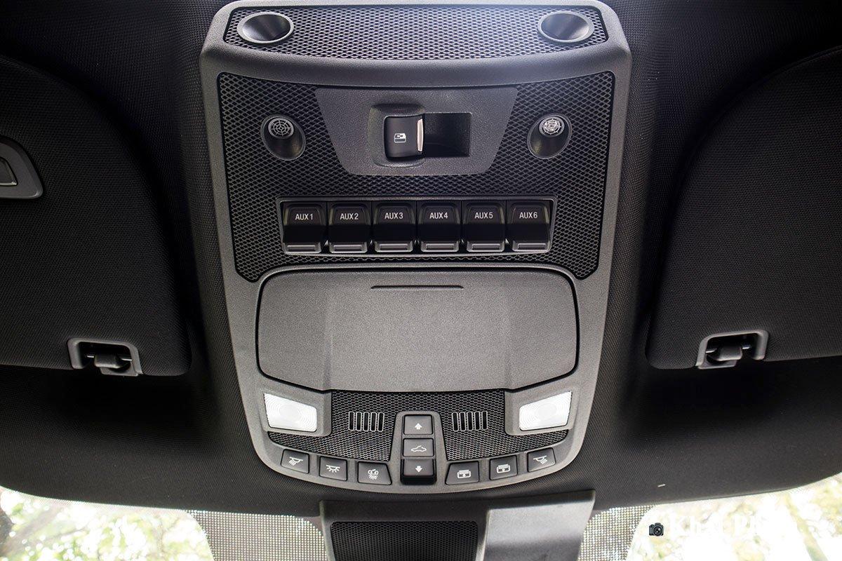 Ảnh điều khiển xe Ford F-150 Raptor 2020