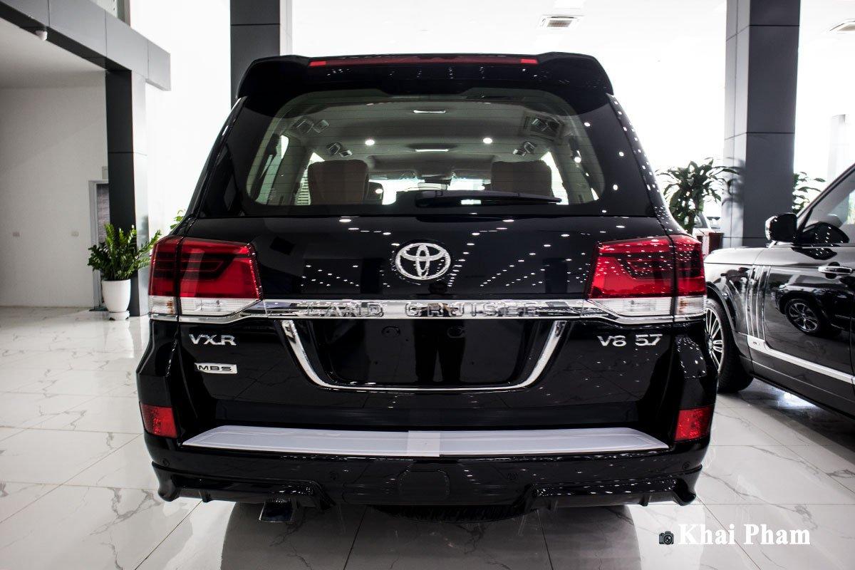 """""""Bóc tem"""" xe Toyota Land Cruiser 2020 4 ghế VIP nhập Trung Đông vừa về Việt Nam, nhiều điểm mới a3"""