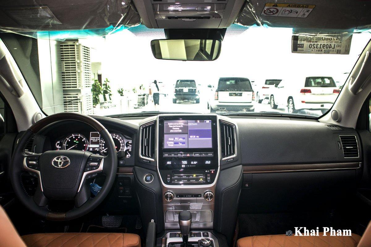 Ảnh táp-lô xe Toyota Land Cruiser 2020