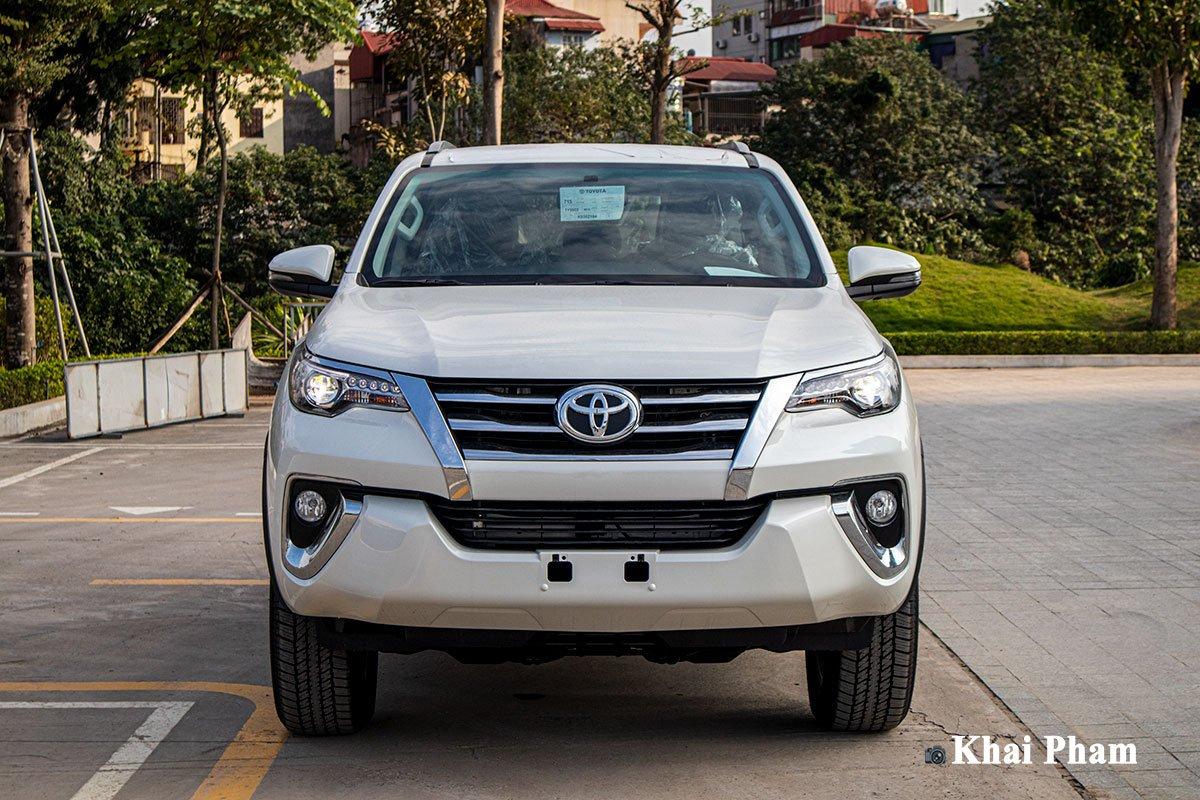 Toyota Fortuner hiện đang là mẫu xe đứng đầu phân khúc SUV 7 chỗ tại thị trường Việt 1