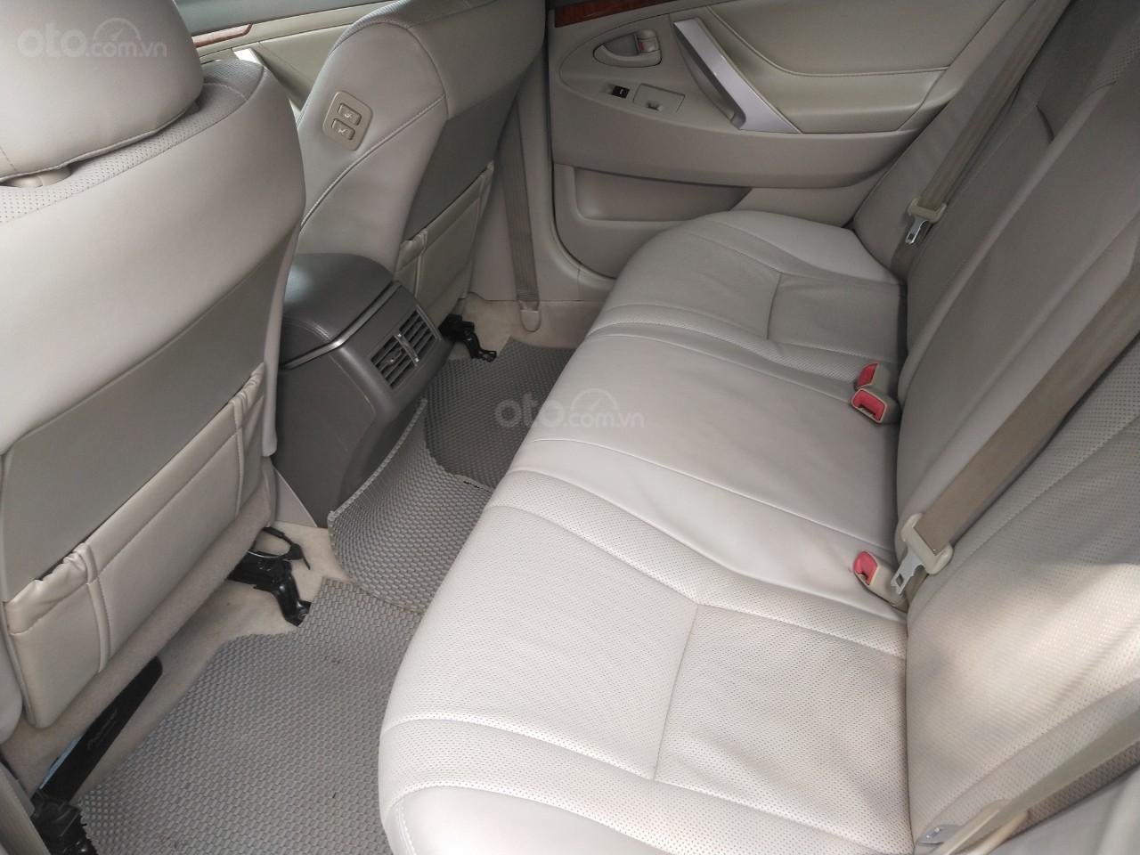 Nhập khẩu nguyên chiếc - Camry 2011 tự động, màu đen (4)