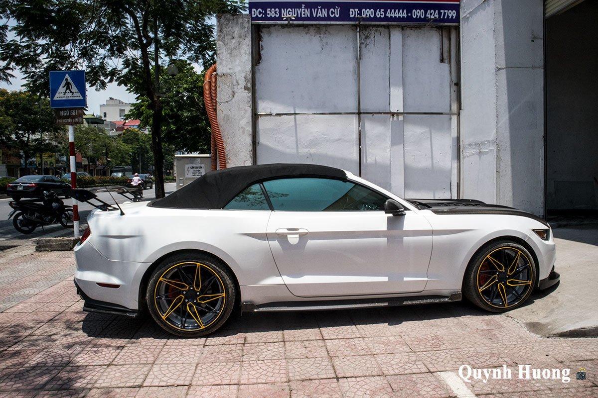 """Nguồn gốc chiếc Ford Mustang mui trần cửa """"cắt kéo"""", thân carbo vừa xuất hiện ở Hà Nội gây tò mò a10"""