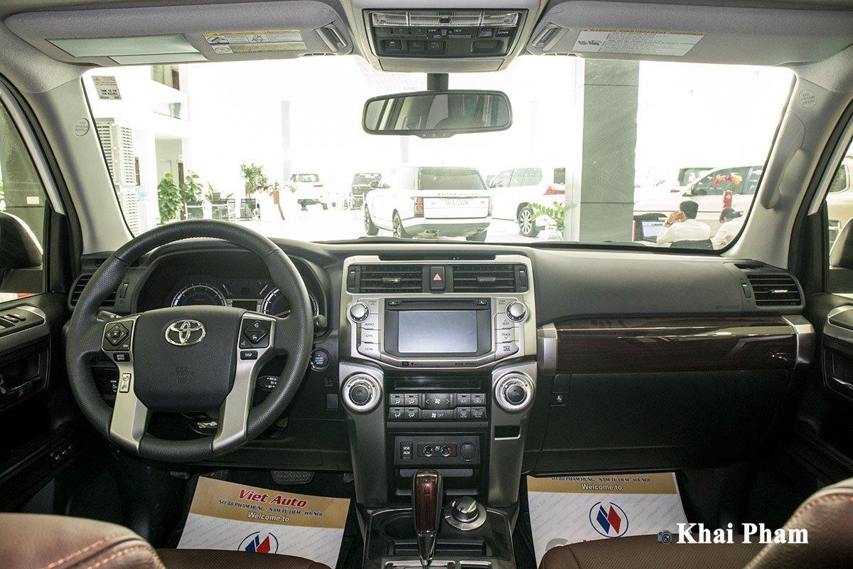 Ảnh Khoang lái xe Toyota 4Runner 2020