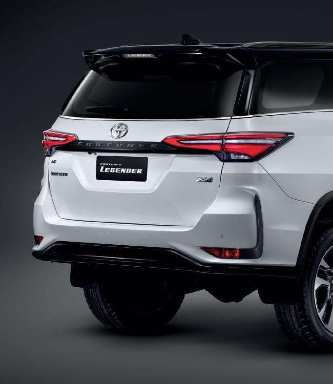 Ảnh chi tiết Toyota Fortuner Legender 2021 hoàn toàn mới vừa mở bán tại Thái Lan a10