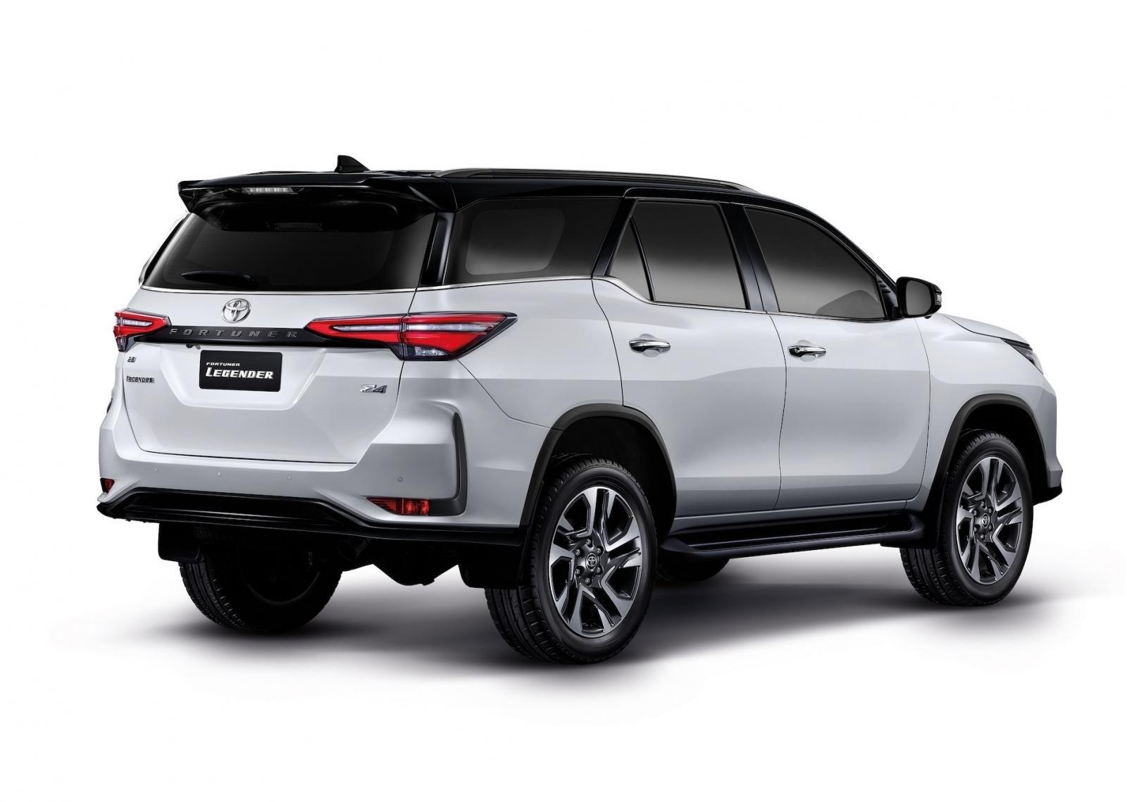 Ảnh chi tiết Toyota Fortuner Legender 2021 hoàn toàn mới vừa mở bán tại Thái Lan a5