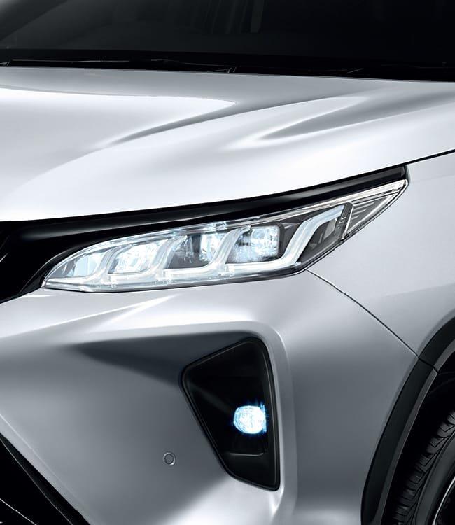 Ảnh chi tiết Toyota Fortuner Legender 2021 hoàn toàn mới vừa mở bán tại Thái Lan a7