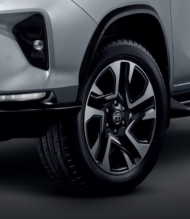 Ảnh chi tiết Toyota Fortuner Legender 2021 hoàn toàn mới vừa mở bán tại Thái Lan a9