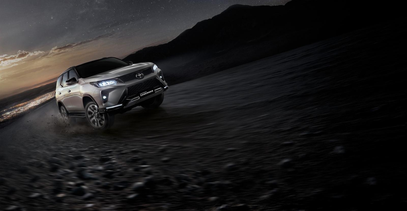 Ảnh chi tiết Toyota Fortuner Legender 2021 hoàn toàn mới vừa mở bán tại Thái Lan a1
