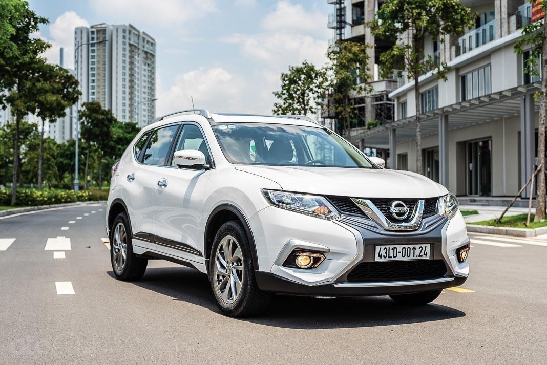 Nissan X-Trail hỗ trợ 50% lệ phí trước bạ trong tháng 6/2020.
