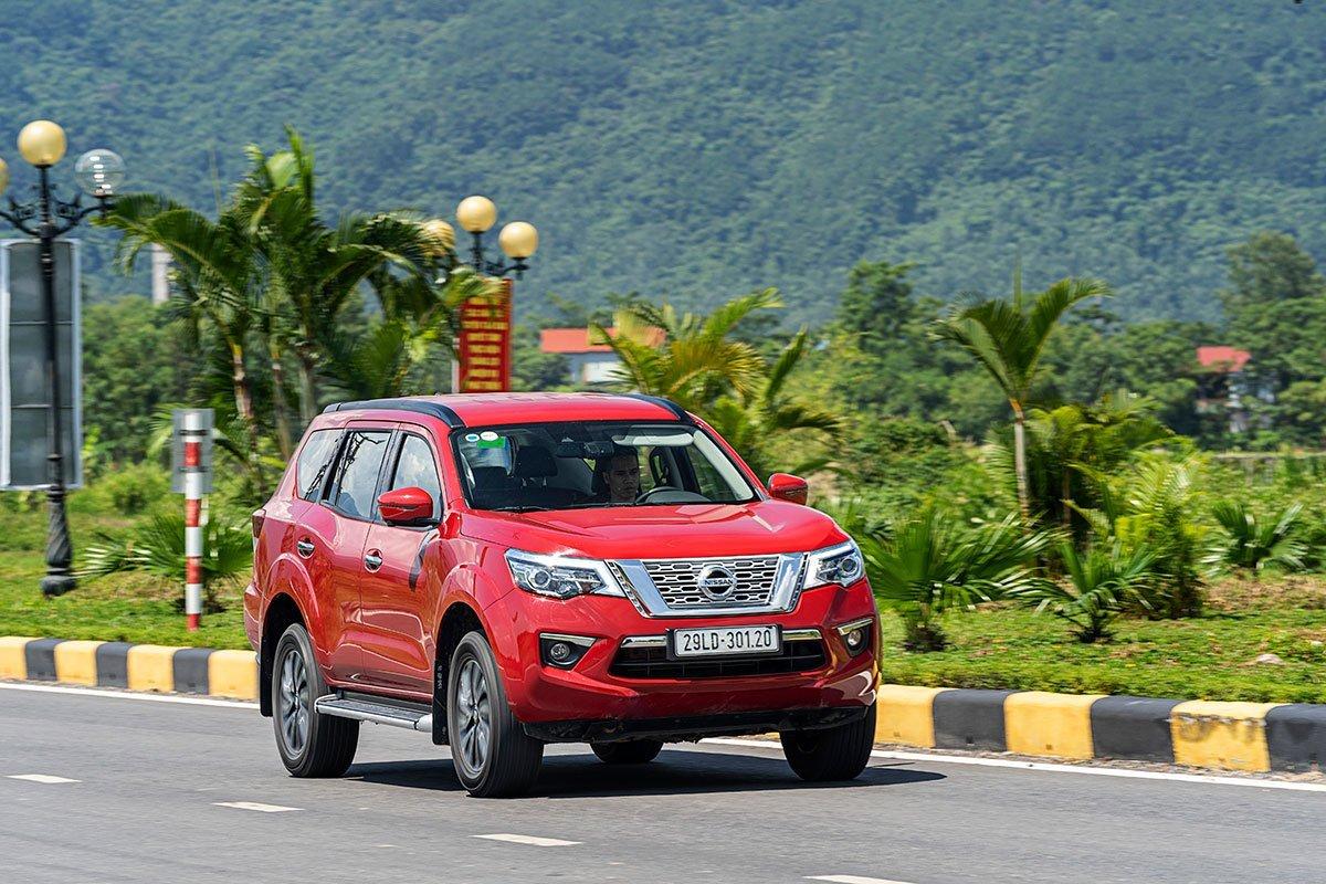 Nissan Terra ưu đãi tiền mặt 20 triệu đồng và quà tặng.