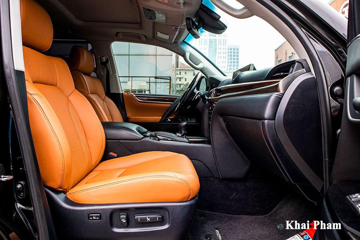 Ảnh Ghế phụ xe Lexus LX 570 Super Sport 2020 a1