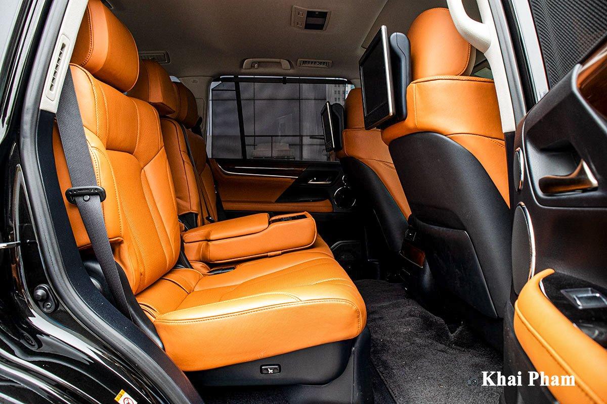 Ảnh Ghế sau xe Lexus LX 570 Super Sport 2020