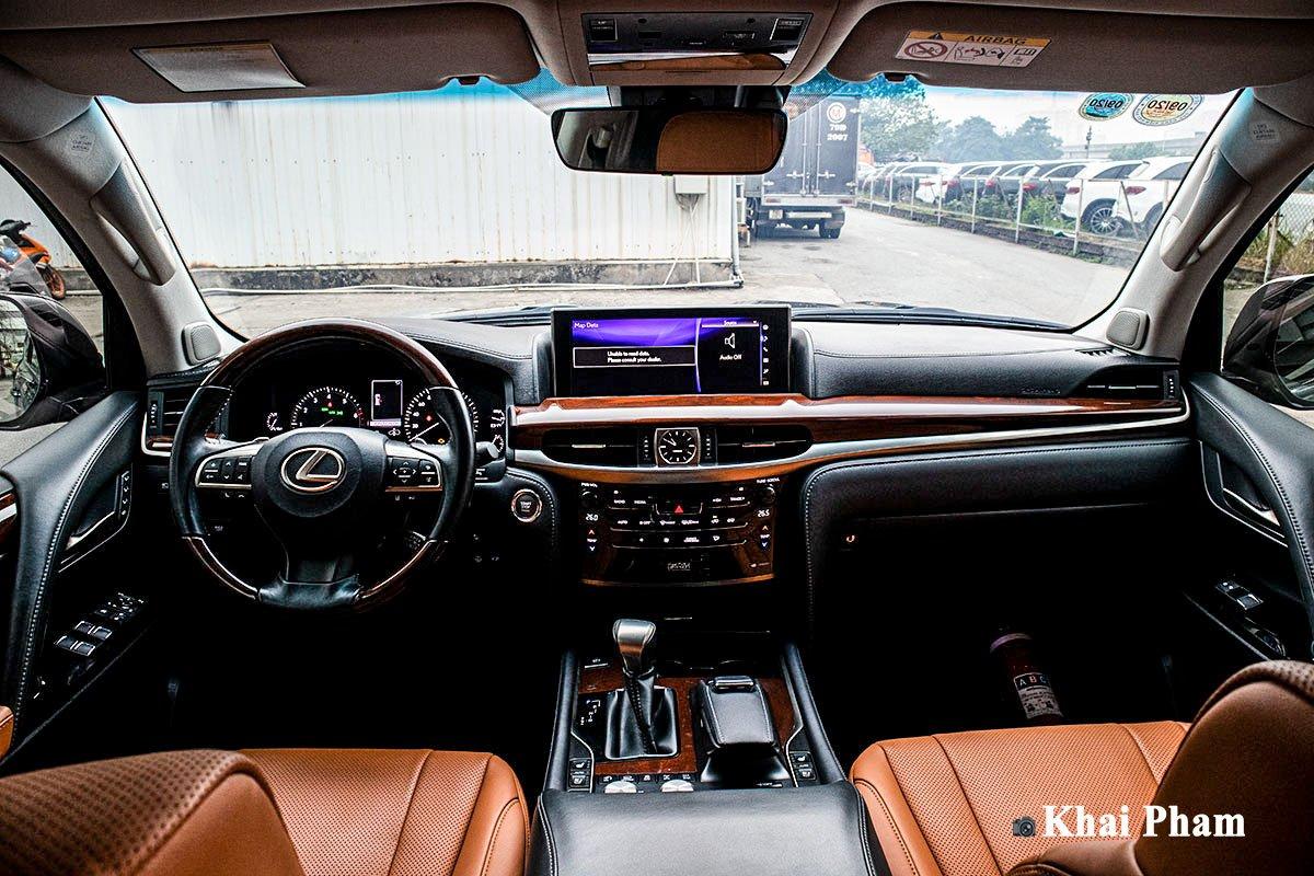 Ảnh Khoang lái xe Lexus LX 570 Super Sport 2020