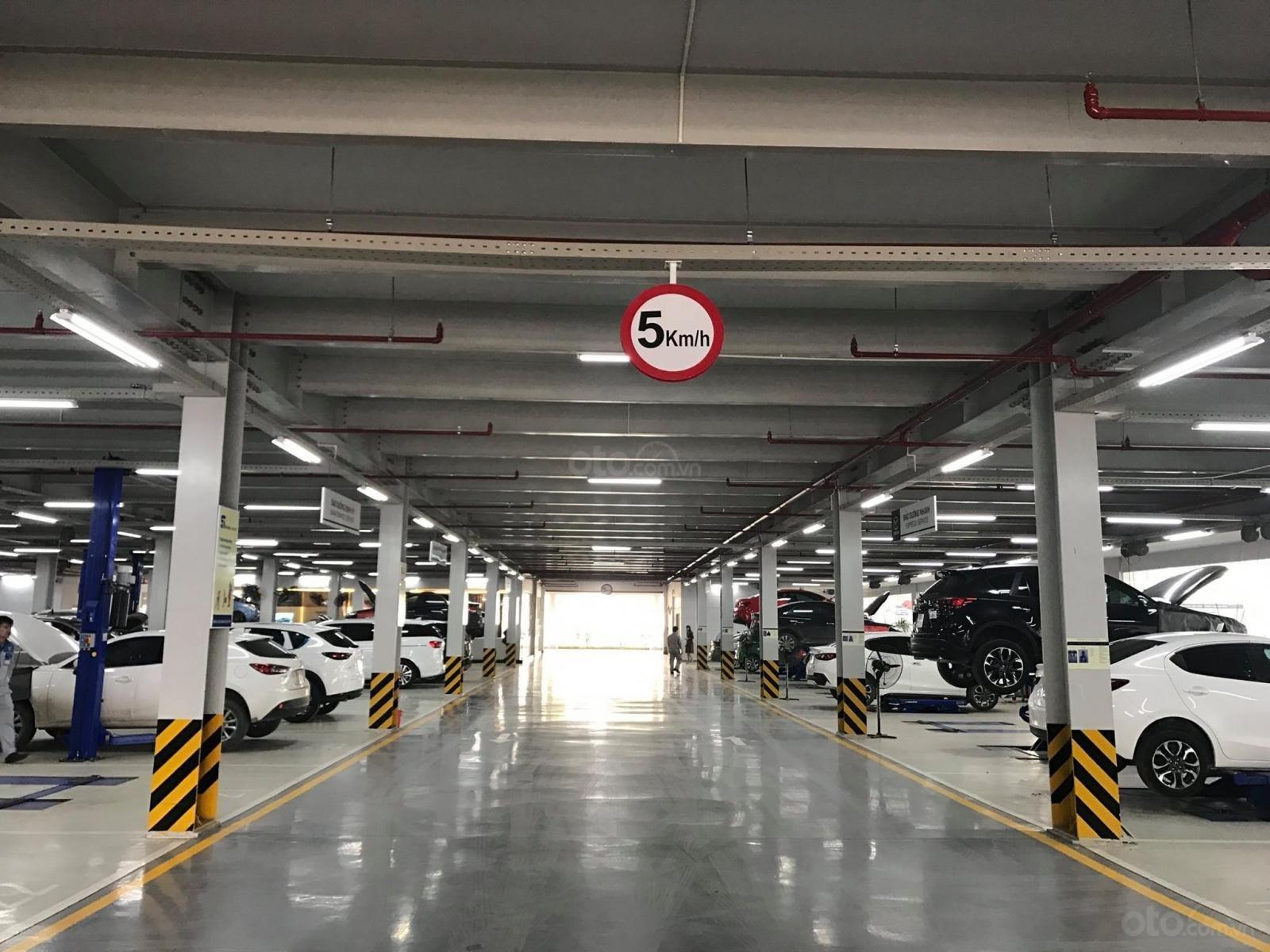Mazda Phạm Văn Đồng (13)