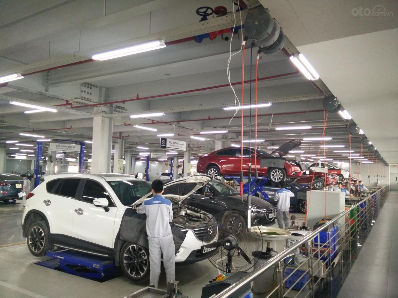 Mazda Phạm Văn Đồng (7)