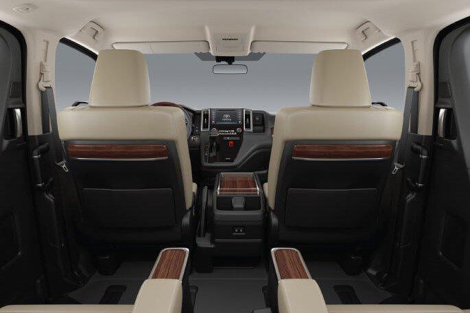 Không gian nội thất Toyota Granvia 2020 a2