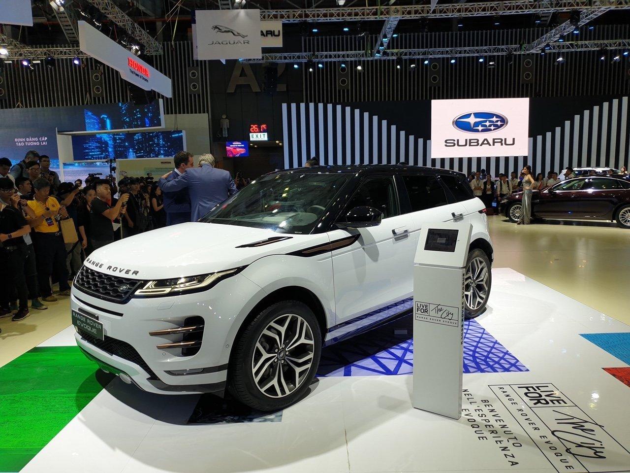 Giá xe Range Rover Evoque 2020 mới nhất tại Việt Nam...