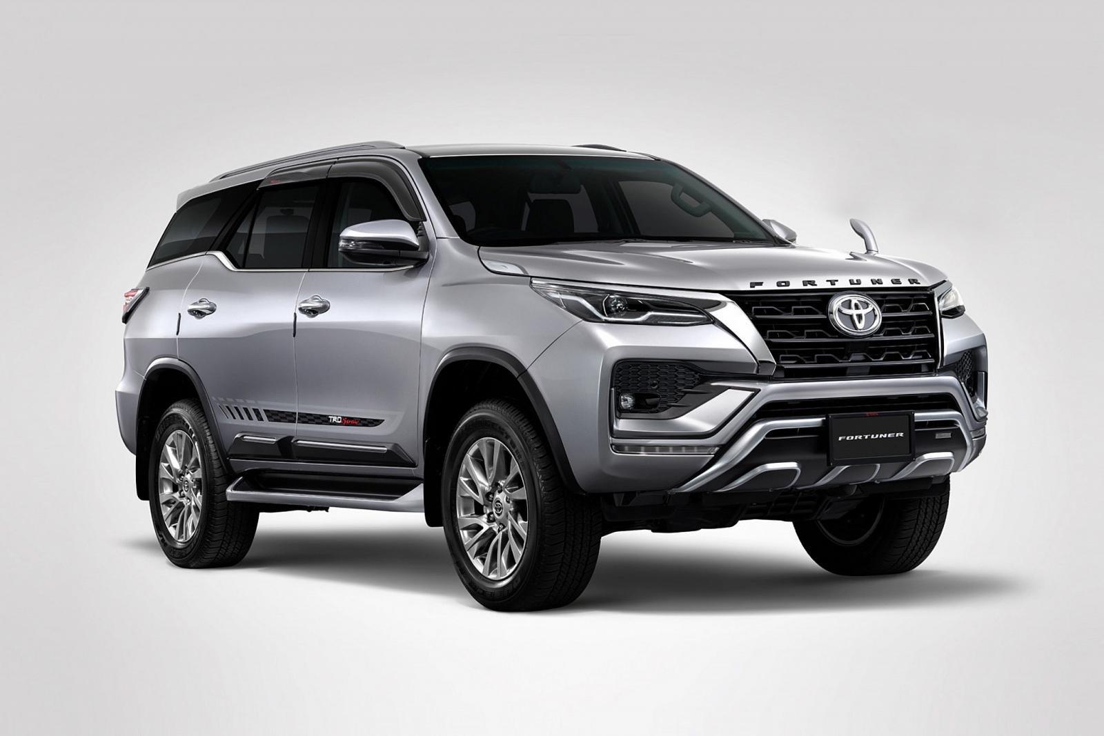 Vừa ra bản mới, Toyota Fortuner 2021 và Hilux tung thêm gói độ TRD thể thao chất lừ.