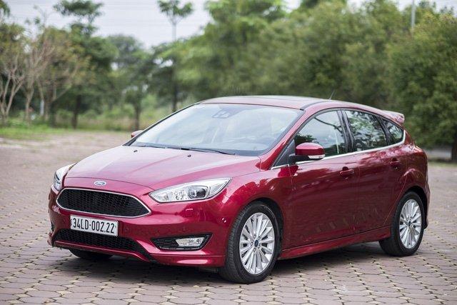 Ford Focus bản đang bán tại Việt Nam...