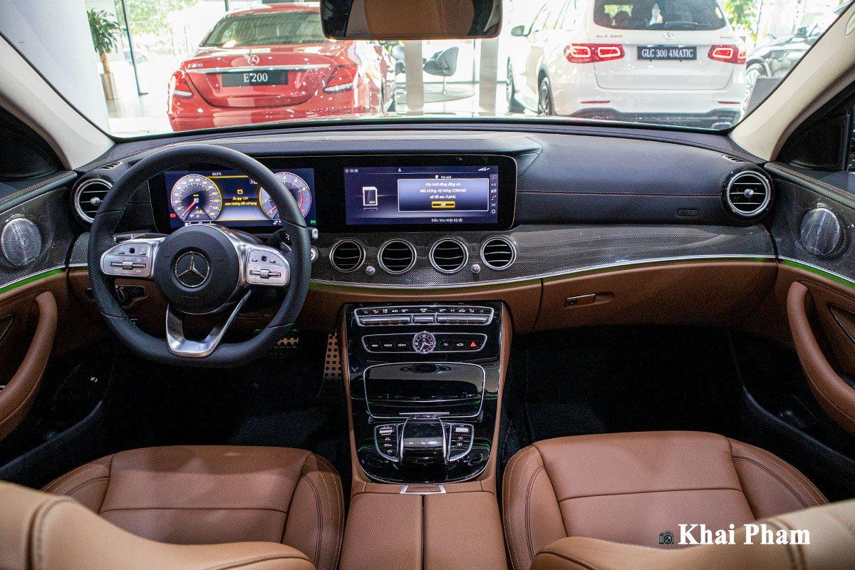 Giá xe Mercedes-Benz E300 AMG 2020 3