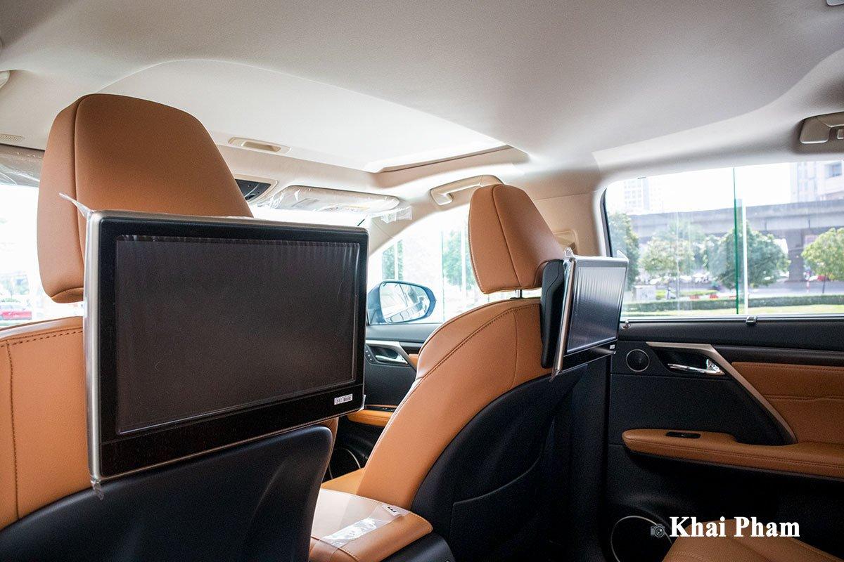 Ảnh màn hình sau xe Lexus RX 450h 2020