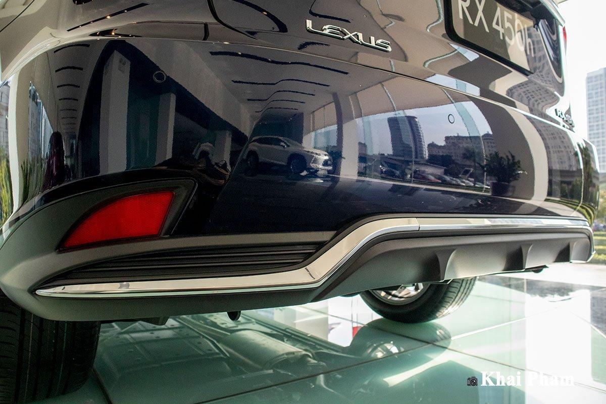 Ảnh cản sau xe Lexus RX 450h 2020