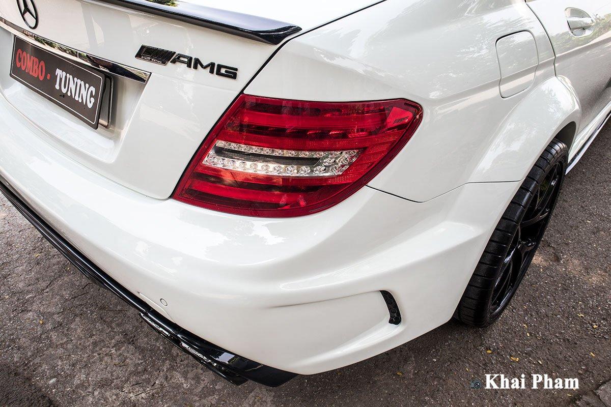 """Hơn 2 tháng thi công và 200 triệu đồng, Mercedes-Benz C 300 đời """"ơ kìa"""" biến thành xe thể thao cực ngầu a16"""