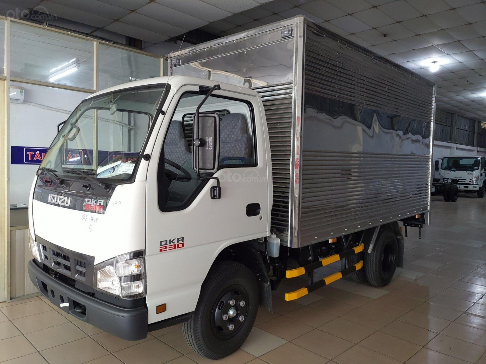 Isuzu 1.5 tấn thùng kín inox - KM: 9.4tr tiền mặt, máy lạnh, 12 phiếu bảo dưỡng, radio MP3 (1)