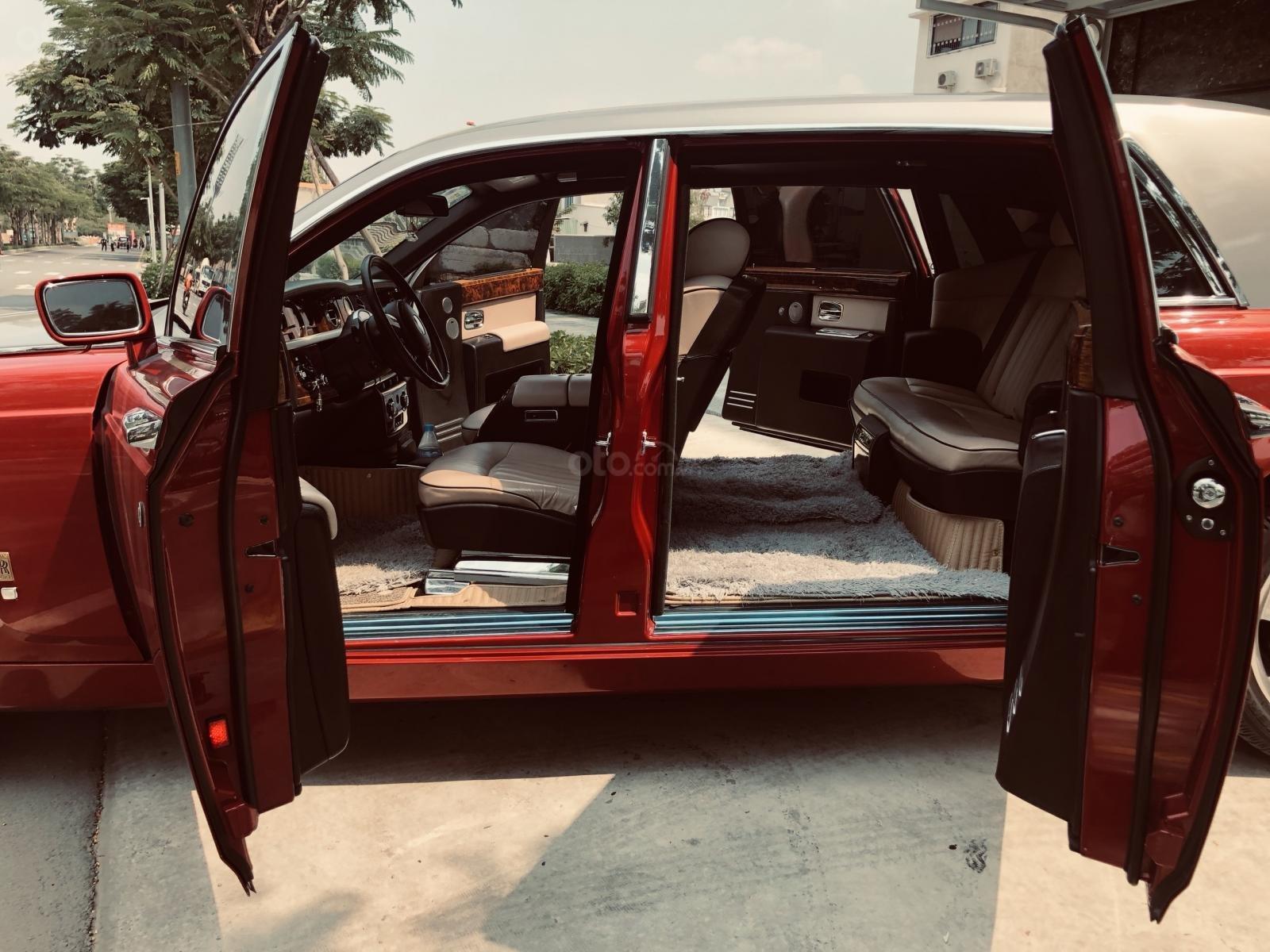 Bán xe Roll Royce Phantom LWB, bản thùng dài hiếm nhất Việt Nam, đăng kí lần đầu 2011 (2)