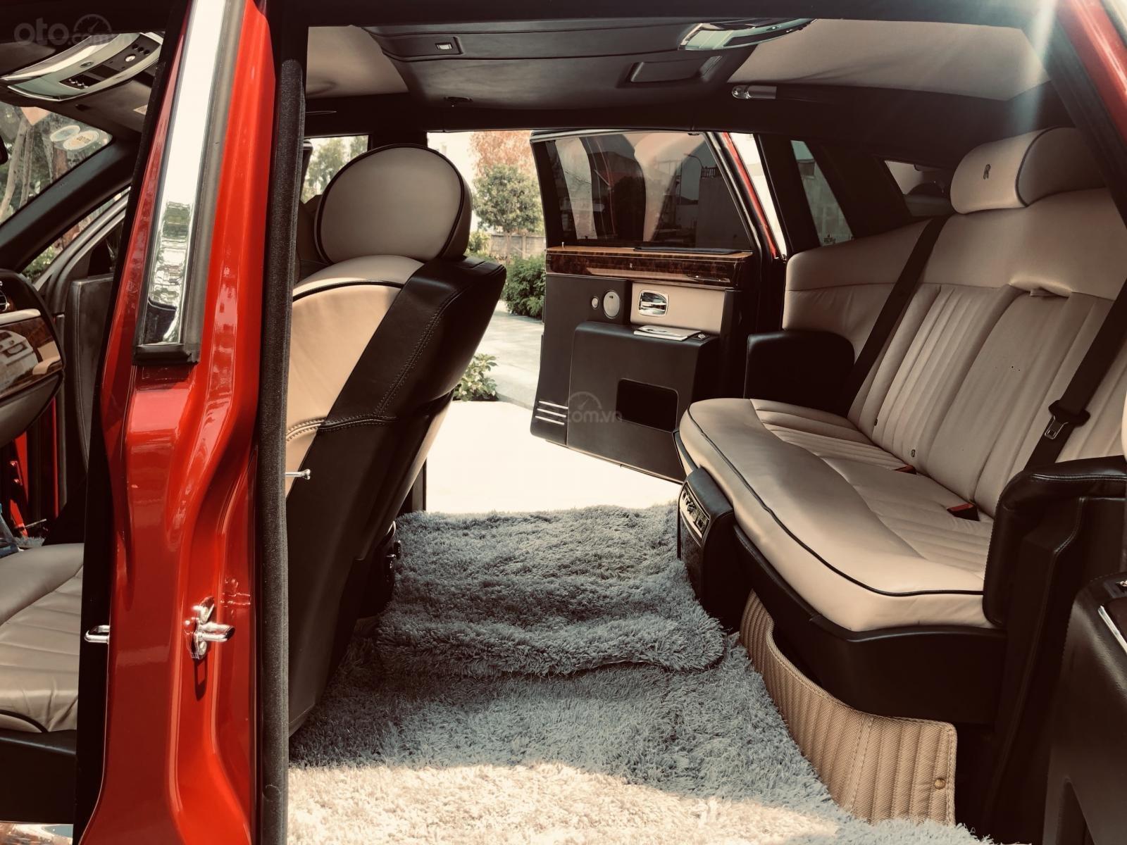 Bán xe Roll Royce Phantom LWB, bản thùng dài hiếm nhất Việt Nam, đăng kí lần đầu 2011 (10)